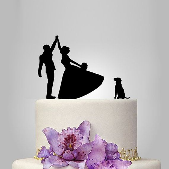 We produce all kind of cake toppers according to orders. This cake topper can be personalized with your first names and wedding date to make it