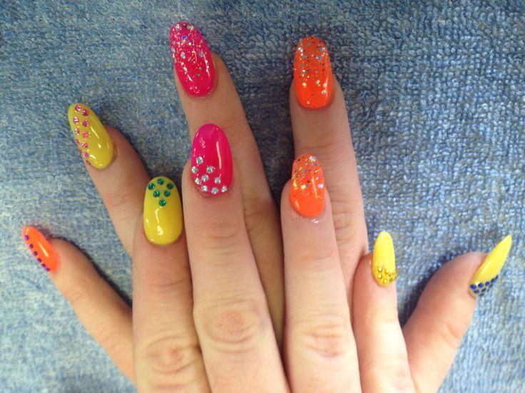 Bright summery nails