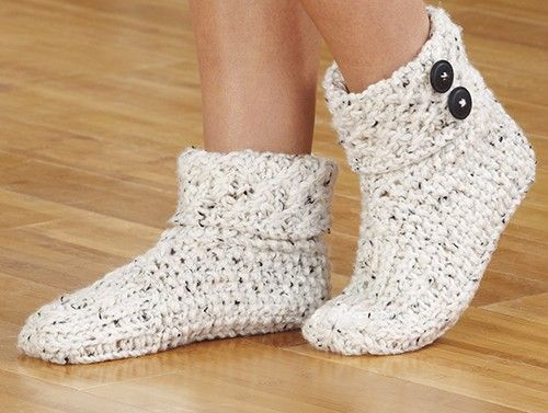 Knit these warm and cozy slippers using double strands of yarn. Shown in Aran Irish Tweed. Kit comes with Aran Irish Twist.