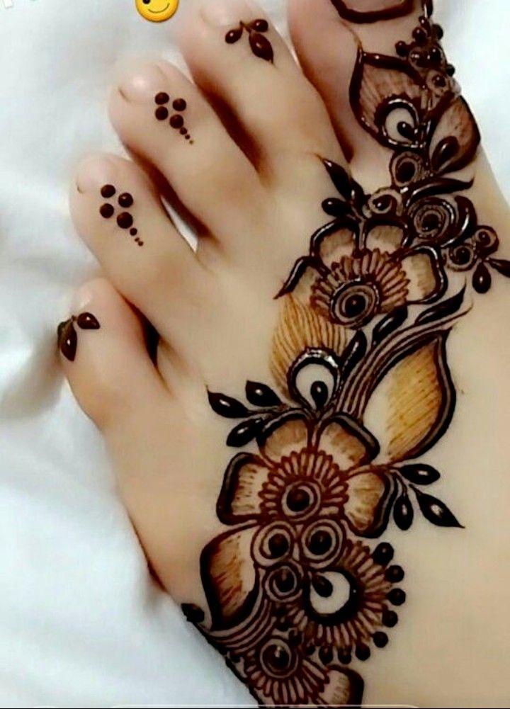Pin By Nuzrath On Mehandi Mehndi Designs Feet Henna Designs Feet Mehndi Designs For Fingers