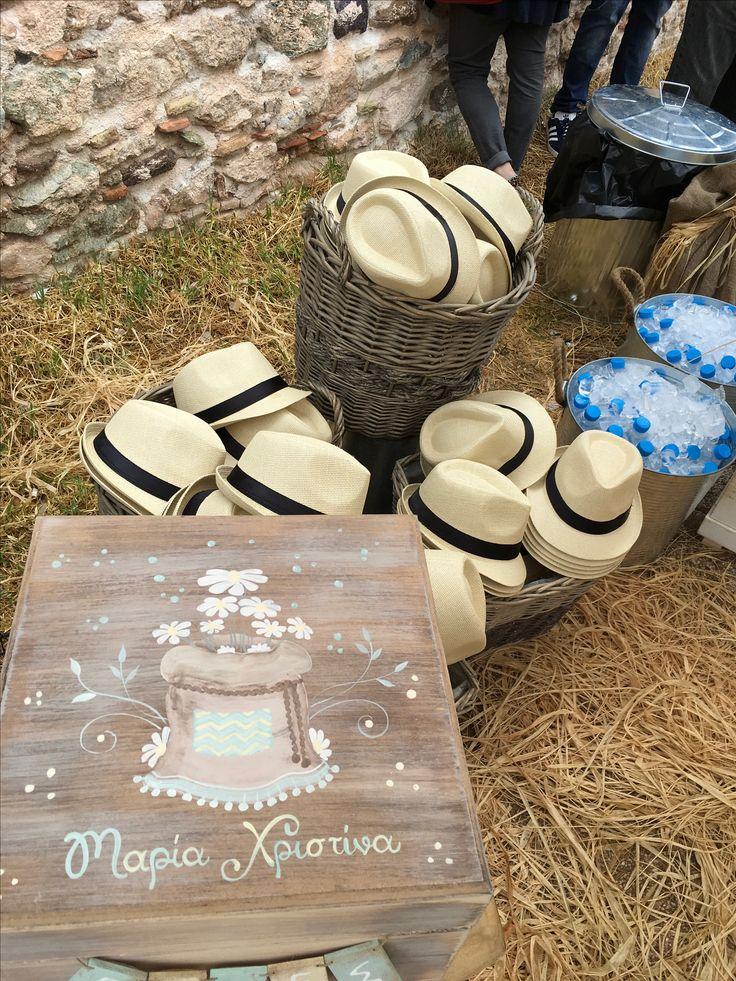 Η βάπτιση της Μαρίας Χριστίνας με χαμομήλια #candybar #decoration #nikolas_ker #vaptisi #vaftisi #girl #decoration #hats #favors #boboniera #lemonade_bar #chamomille #box #wishes #κουτί_ευχών