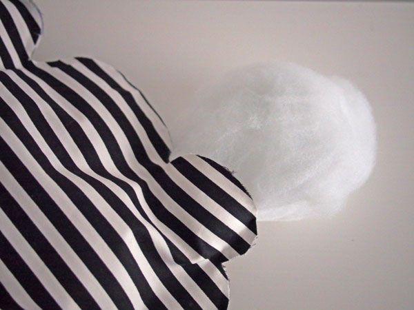 DIY- Maak je eigen wolken kussen DIY- Make your own cloud pillow