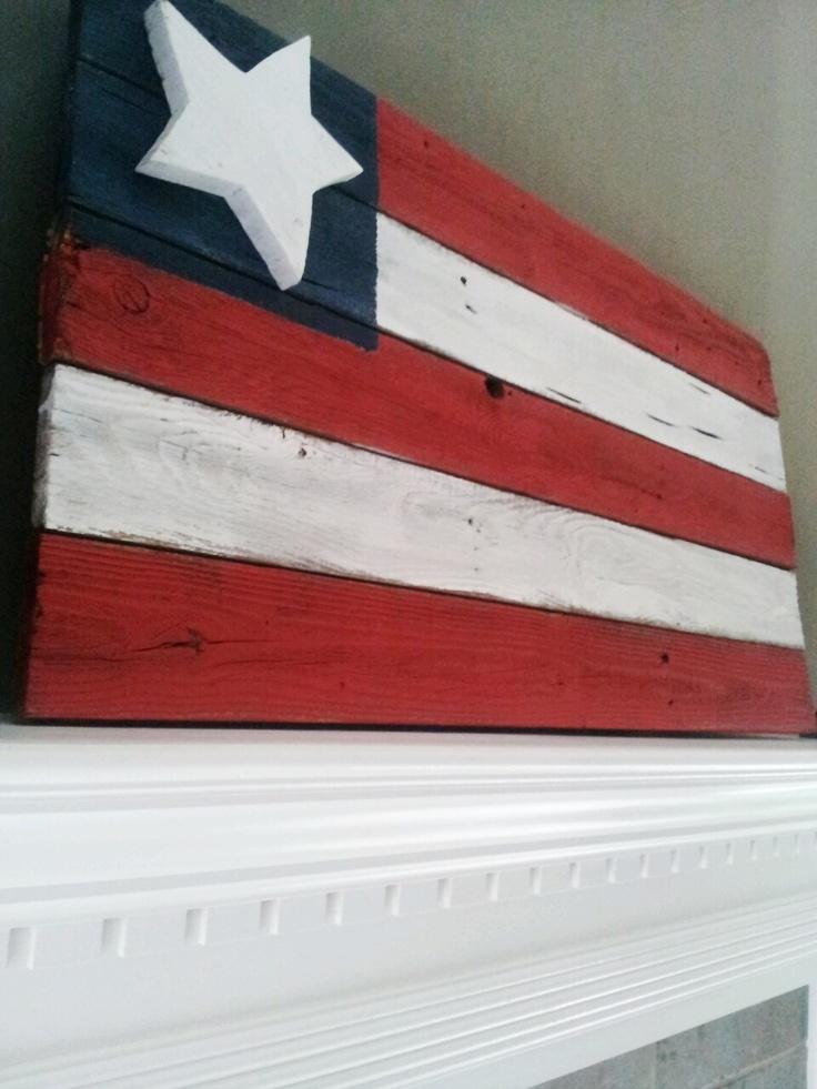 distressed wooden flag patriotic pallet sign