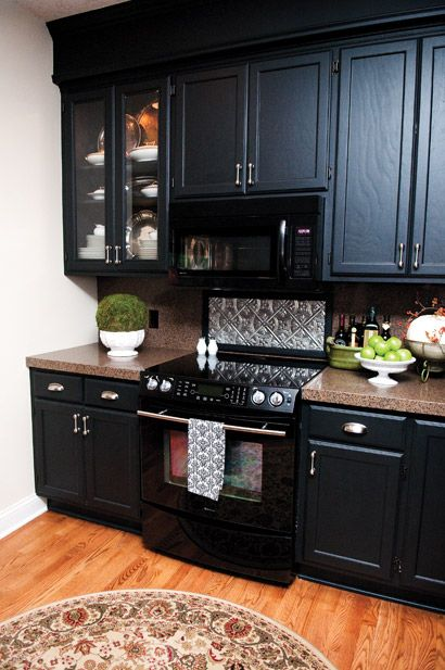 This is my favorite way to use black appliances in a kitchen.