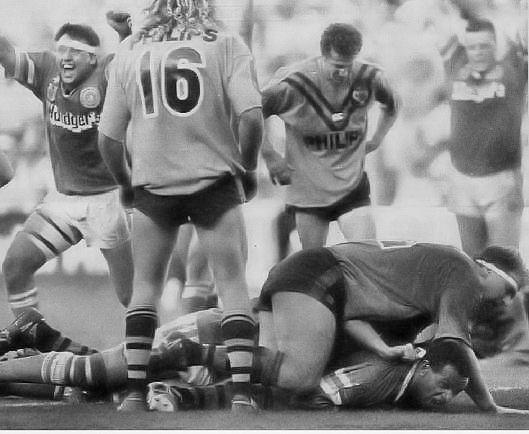 1989 Grand Final: Canberra Raiders winger John Ferguson scores a try to send the game into extra time.