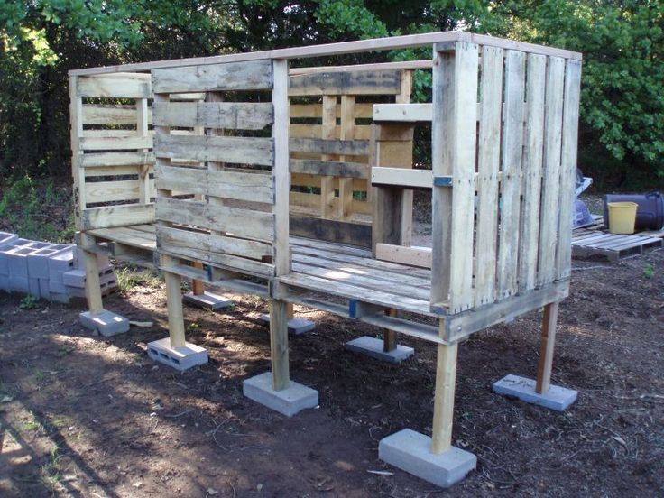 Chicken coop projects the owner builder network mixed for Pallet chicken coup