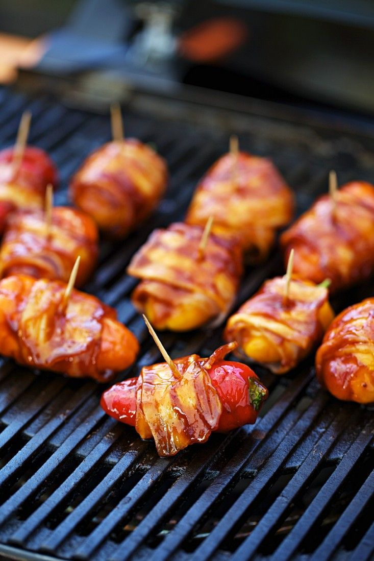 Gegrillte Paprika mit Bacon   Zeit: 15 Min.   http://eatsmarter.de/rezepte/gegrillte-paprika-mit-bacon