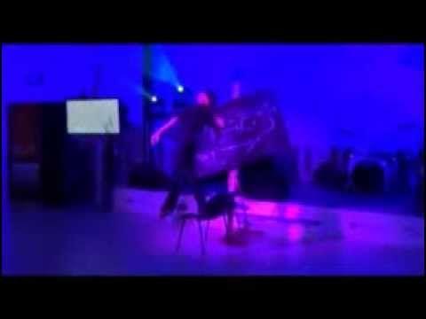 Марта Тиш, Шоу Танцующий Художник - http://youtu.be/LMxA-t0IpcM Уникальное шоу, где танцующая художница за несколько минут создает на сцене произведение искусства!