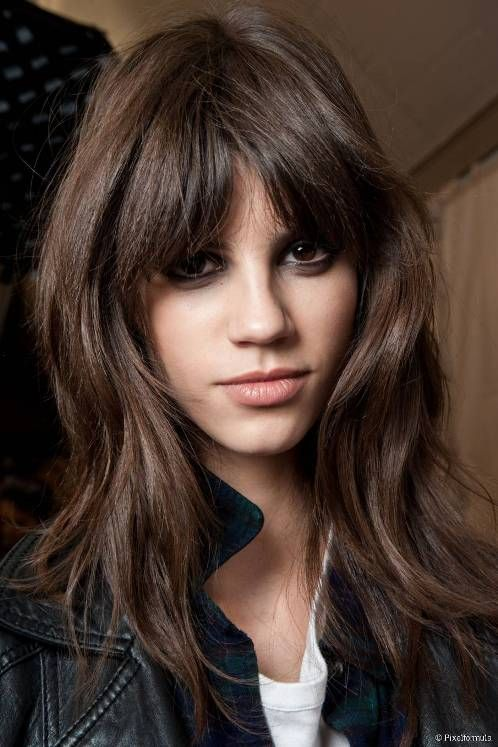 long hairstyles for oval faces with bangs