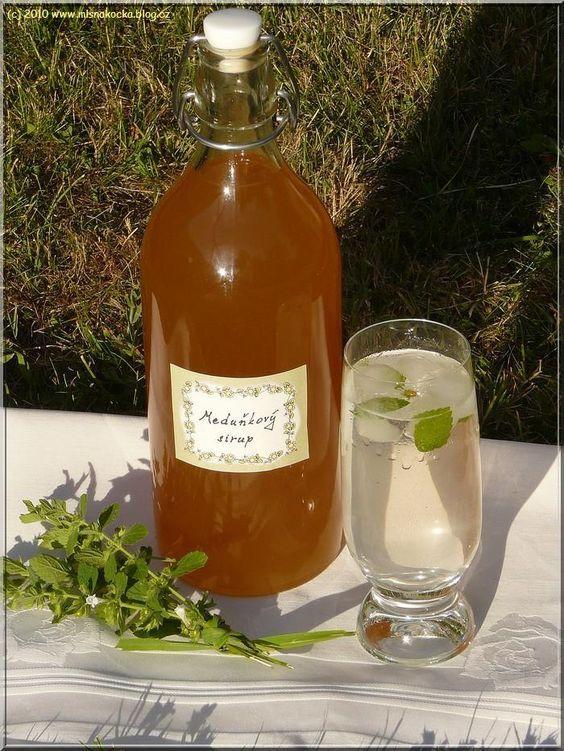 Domácí meduňkový sirup...: