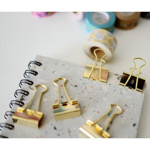 Zlatá je nesmrtelná, do Vašeho diáře nebo do kanceláře pro radost..............zlaté kancelářské svorky, očíslované (1-5) o velikosti 25 mm. Balení obsahuje 5 kusů. Made in Japan