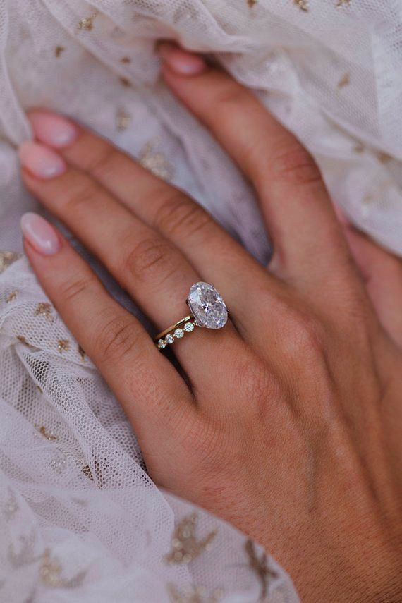 Jewellery Definition Pronunciation Minus Simple Wedding Rings Near Me Her Jew Wedding Rings Teardrop Vintage Engagement Rings Classic Engagement Ring Solitaire