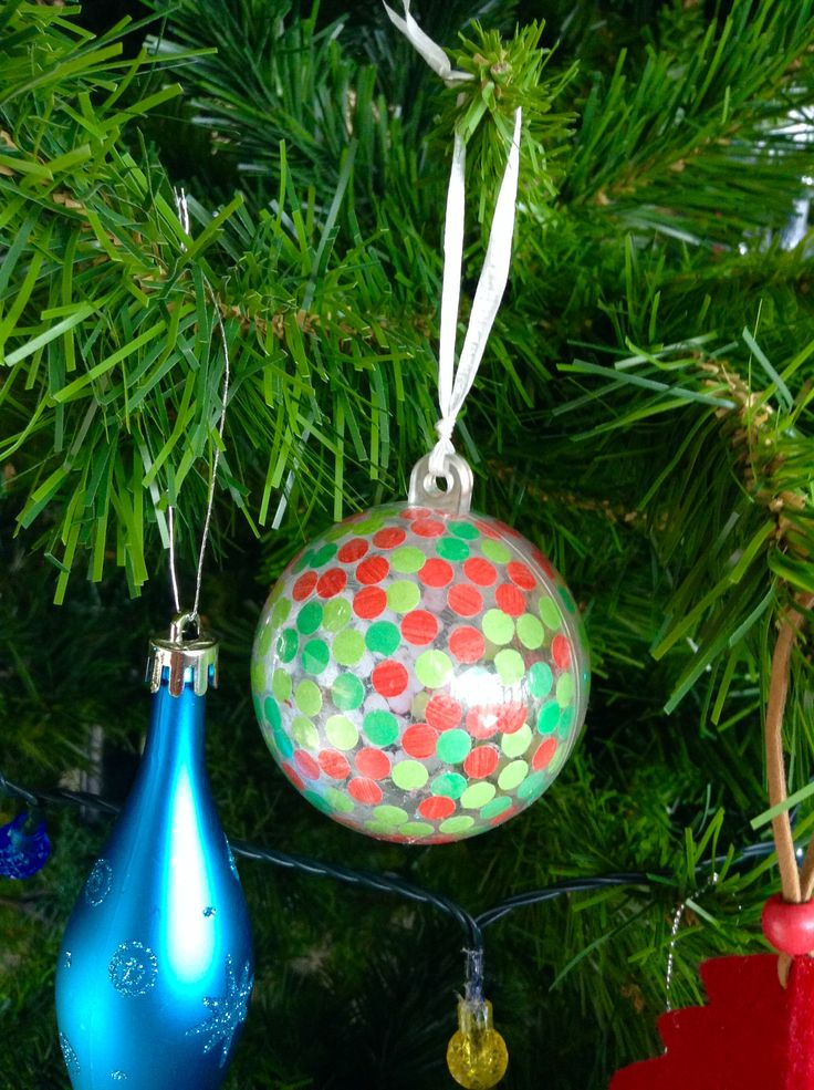 Easy and cute confetti inspired Christmas ornament