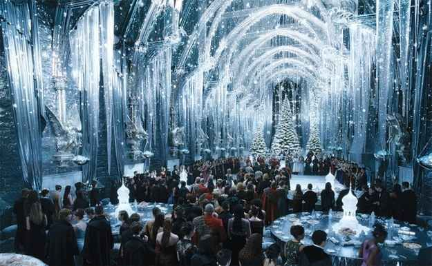 Universal Orlando sent out a survey asking for feedback about potential holiday events – one of which included a Yule Ball and Great Dance Hall Dinner.