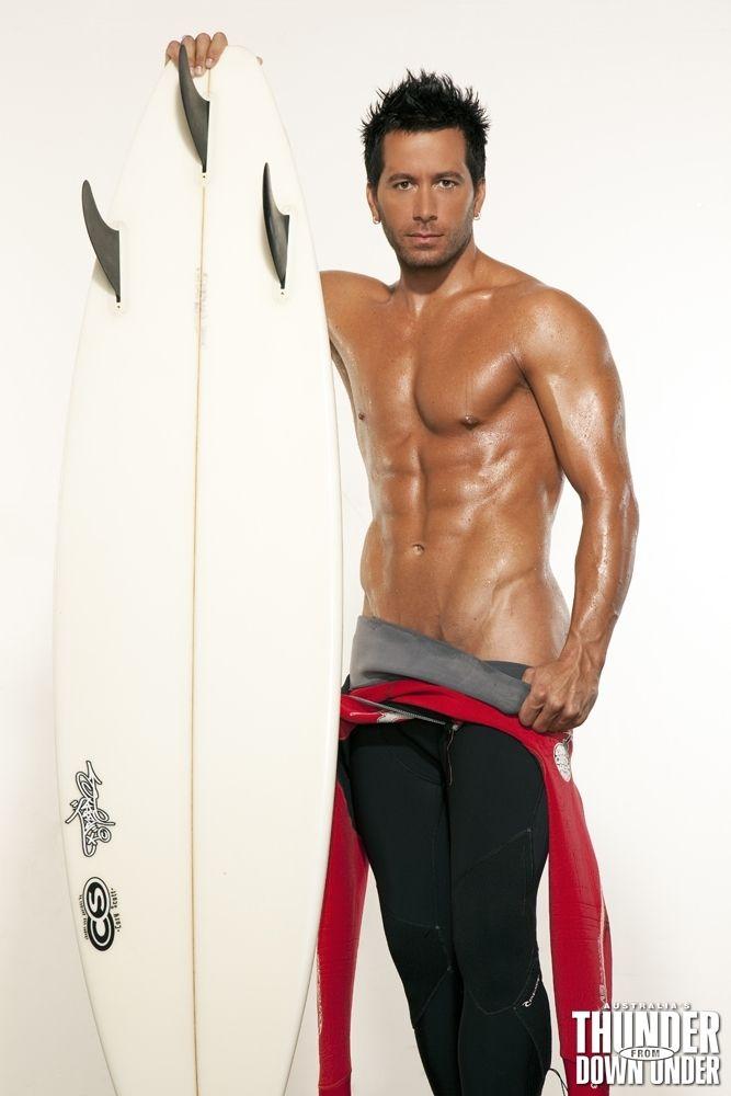 topless-australian-males-gifperv-footjob