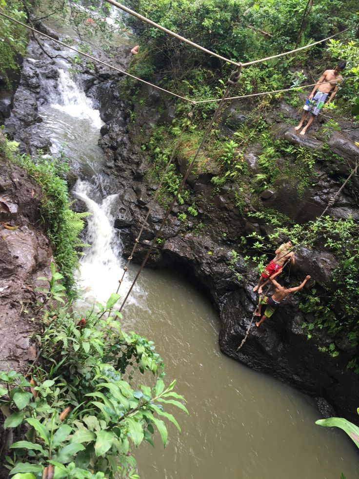 Waimano Falls and Pools, also known as the Mañana Trail, is a hidden gem located in Pearl City! Be sure to click the image to read more about this beautiful waterfall hike! | @acrookedlife | Oahu Hikes | Oahu, Hawaii | Waterfall |