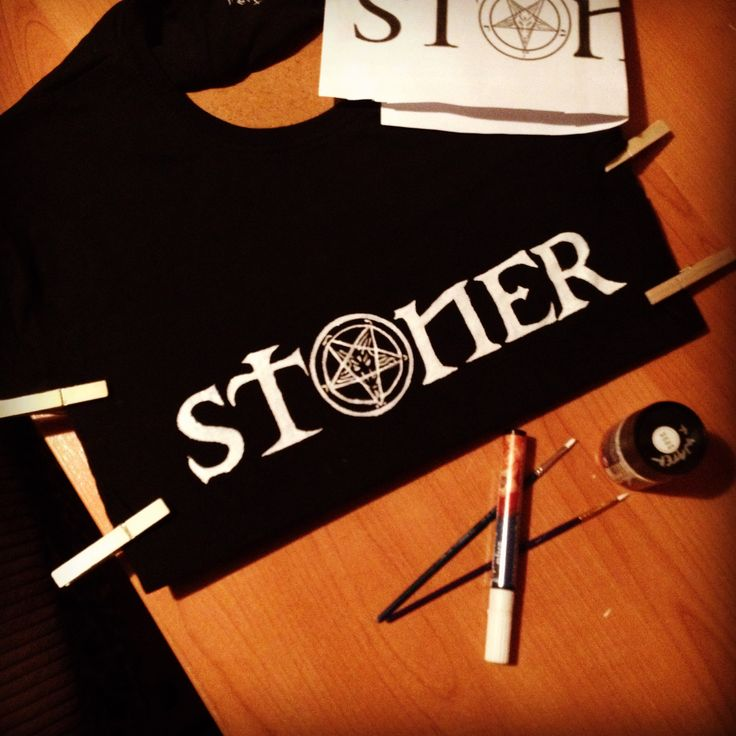 handpainted with love :)  voor lief lief <3 stenciled font - freehand baphomet sigil - white paint on black cotton longsleeve.