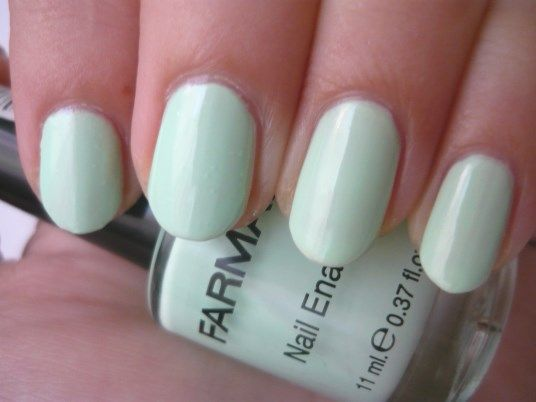 Nail Of The Day - Minty Spring using Farmasi nailpolish  nr.138