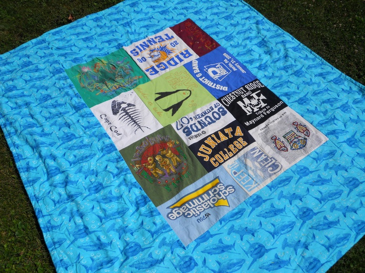 The back of the quilt (the blue has sharks :)
