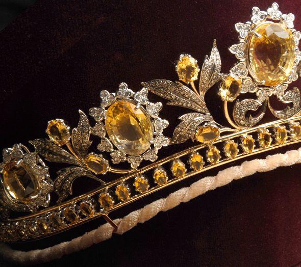 تيجان ملكية  امبراطورية فاخرة 3c8a2968d44d461c3292beb39f8e5c85