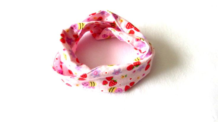 Pink Baby Infinity Scarf - Pink Toddler Infinity Scarf - Pink Scarves - Scarves for girls by PinkButterflyDesignz on Etsy https://www.etsy.com/ca/listing/492474370/pink-baby-infinity-scarf-pink-toddler
