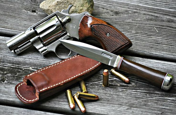 Randall Gambler with Colt Detective Special