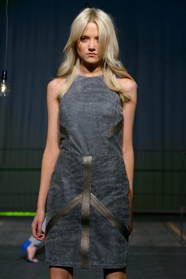 Gray zipper dress by Polish designer Łukasz Jemioł  sample sale on http://milieubazaar.com