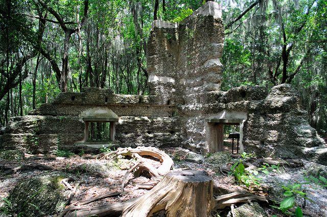 Little known historical ruin, the Stoney-Baynard plantation ruins site, on Hilton Head Island - SC, USA