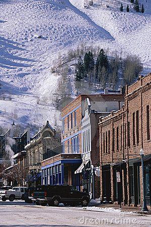 Storefronts in Aspen, Colorado © Americanspirit