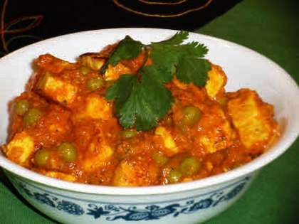 Mattar Paneer Recipe is the tasty combination of paneer and green peas, both are simply cooked in spicy and sweet flavored gravy