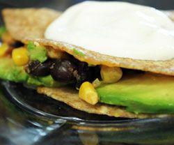 Bønne og avokado quesadillas