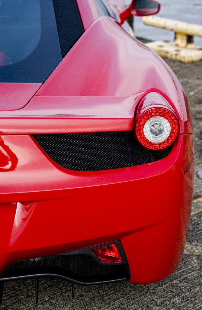 Red Ferrari 458 Italia gets a New Car Detail