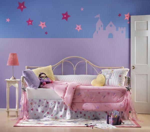 kinderzimmer m dchenzimmer kinderbett tischlampe. Black Bedroom Furniture Sets. Home Design Ideas