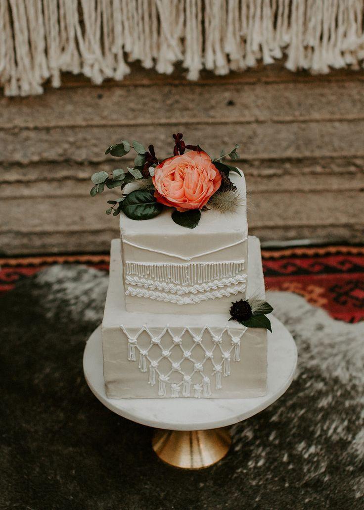 Makramee Hochzeitstorte   Industrial Bohemian Chic Inspiration mit einfachen Mitteln …   – Tiered Cakes