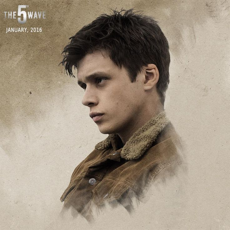 First off, 5th wave was a really good movie. Secondly, Nick Robinson is crazy good looking. He's only 20 but he's got the brooding thing down to an art form and I'm loving it.