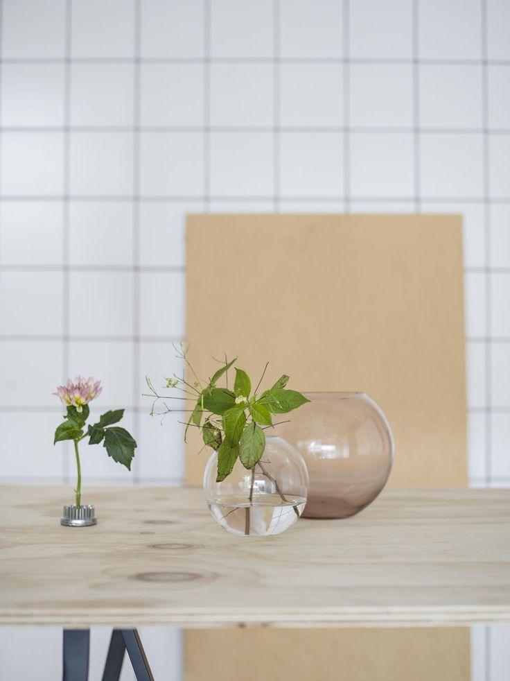 Skira, runda vaser i glas från kollektionen Hemtex edited by Plaza Interiör.