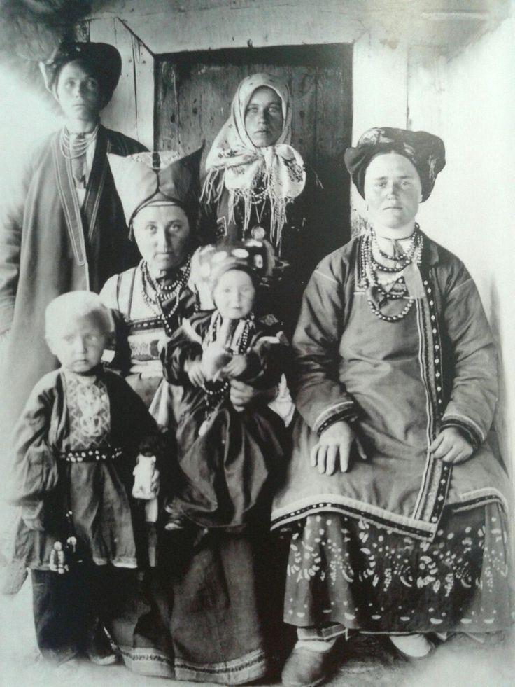 Русская семья на старой фотографии