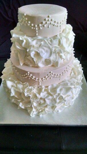 Wedding cake made @pSweetSuccess