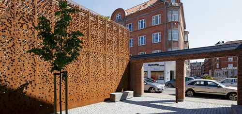 Metall-Fassadenverkleidung / COR-TEN®-Stahl / perforiert / Platten MUNICIPAL BUILDING by Østergaard Arkitekter A/S RMIG