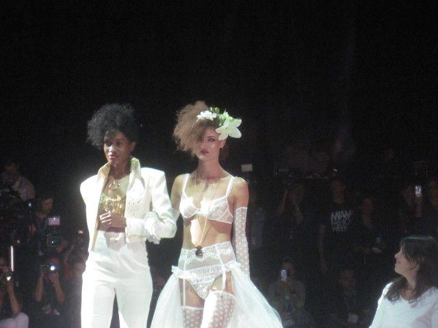 Miami Fashion week Andrés Sarda - http://www.femeninas.com/miami-fashion-week-andres-sarda/