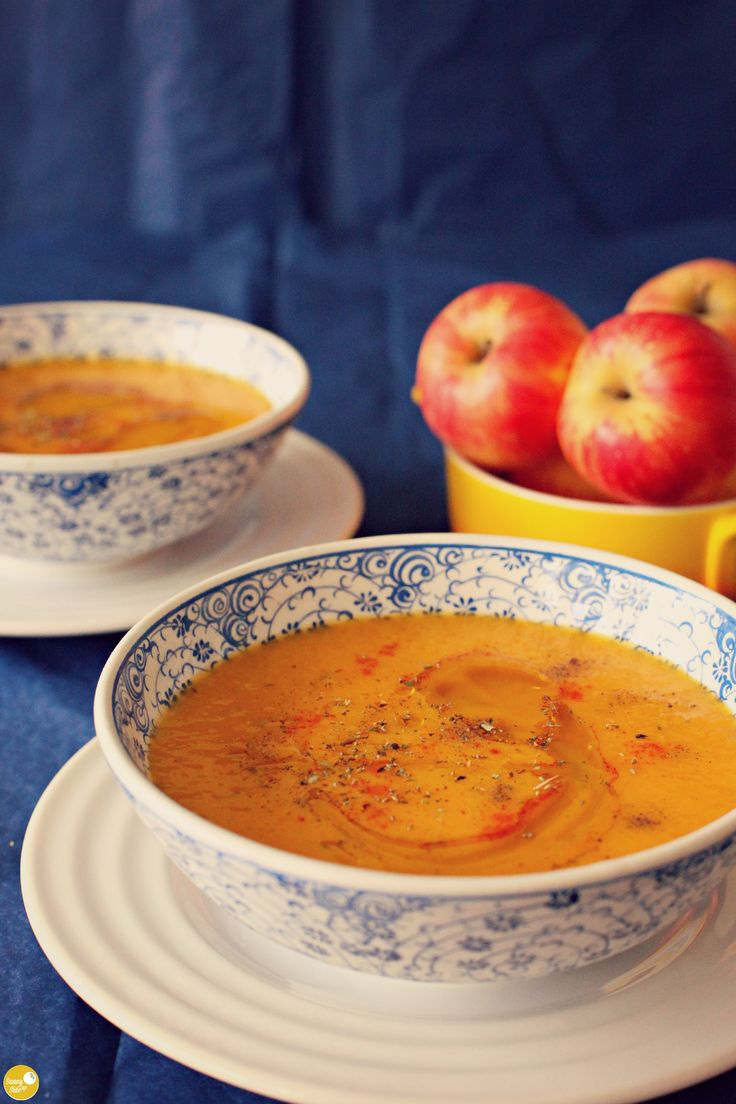 creamy ginger, carrot and apple soup. saving shitty rainy days since... forever.
