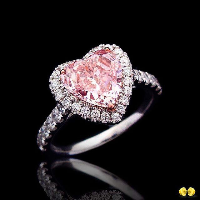 NovelCollectionAsia. From HongKong with love! An exceptional fancy intense pink heart-shaped diamond set in a beautifully crafted classic design. #FancyPinkDiamond