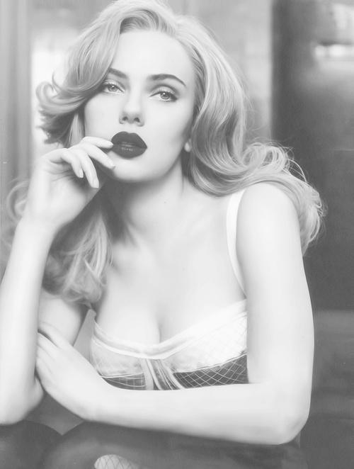 Scarlett...she is so gorg. I want this hair SO BAD!!!!