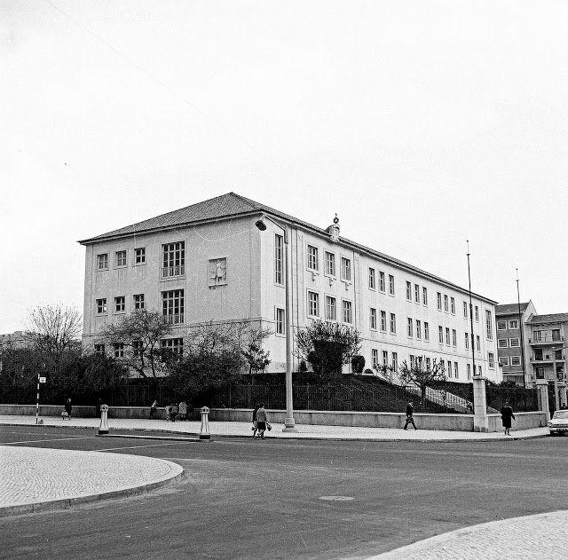 Escola Eugénio dos Santos