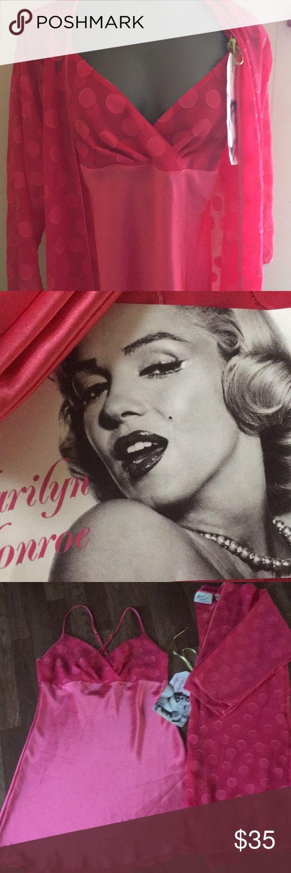 """NWT""Marilyn Monroe's Pink Polka-dot Nighty Sz. SP ""NWT"" Marilyn Monroe Pink Polka-dot Nighty (Gown/lingerie) Sz. Small/Petite Marilyn Monroe by Warner Intimates & Sleepwear"