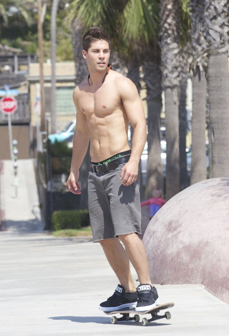 dean geyer change those shoes and we can definitely hang out