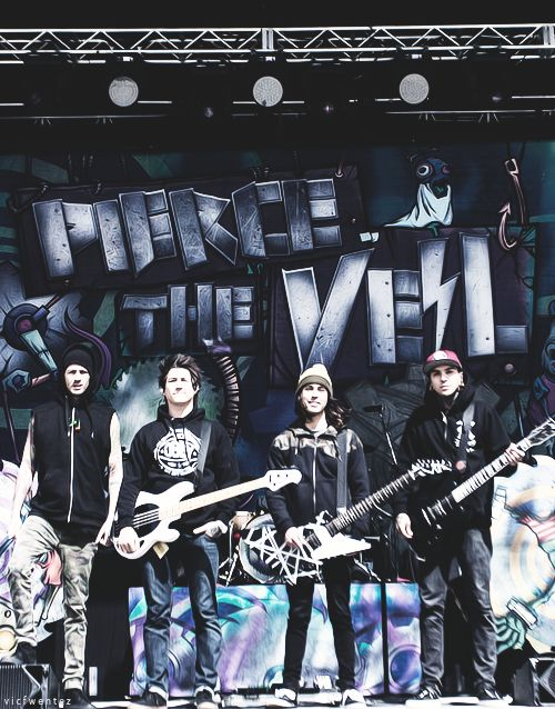Pierce the Veil-I love this picture.