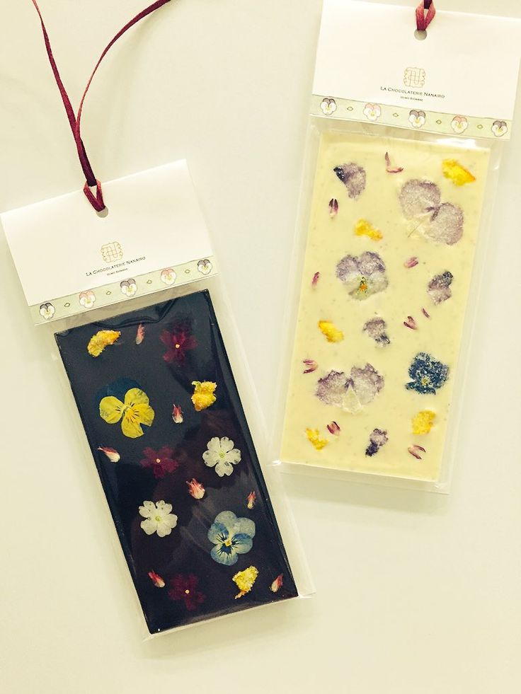 "NANAIRO on Twitter: ""【Christmas Tablet】Dark chocolate with Edible flower 70% (75g) | LA CHOCOLATERIE NANAIRO https://t.co/WZ5jWrc4j3 https://t.co/bB0dolstKx"""