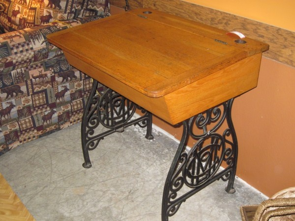School Desk Antique Oak Iron Lift Top - 130 Best Vintage School Desk Images On Pinterest Vintage School