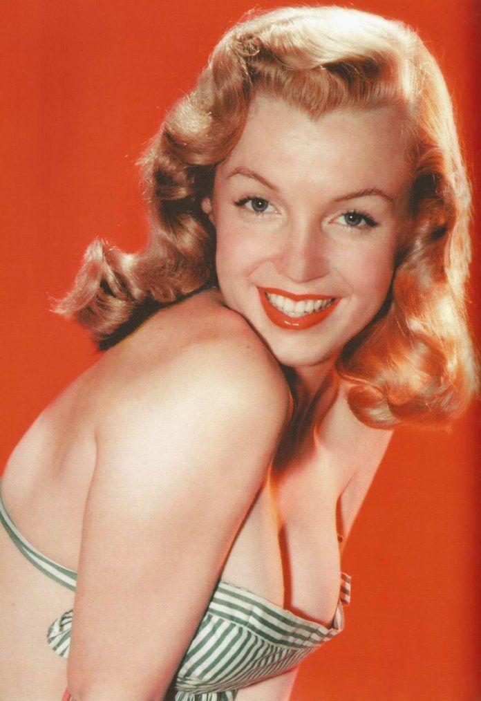 Marilyn Monroe pin up girl